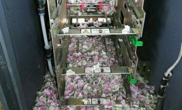Foto: Indijā žurka bankomātā sagrauž banknotes vairāk nekā 16 000 eiro vērtībā
