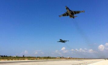 Krievija pirmo reizi veic uzlidojumus Sīrijas dienvidos