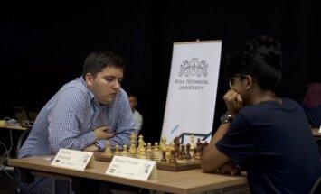 'RTU Open 2017' pēc sestās kārtas pārliecinošs līderis ukraiņu šaha lielmeistars Vladimirs Oņiščuks
