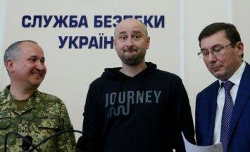 'Noslepkavotais' krievu žurnālists Babčenko ir dzīvs; aizturēts slepkavības plānotājs