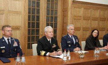 ĀM politiskais direktors Eduards Stiprais ticies ar ASV Transportēšanas pavēlniecības delegāciju