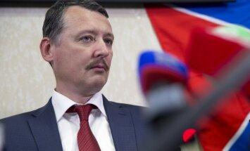 Girkins atzīst, ka Krimas deputāti pērn uz balsojumu 'sadzīti'