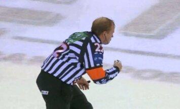 Video: bīstamais hokeja tiesnešu darbs