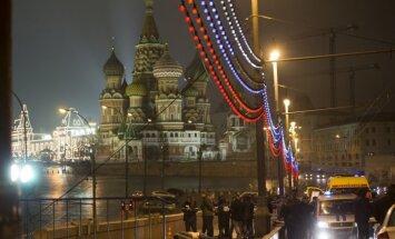 Ņemcova slepkavības lieciniecei draudēts, paziņo Ukraina