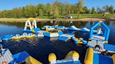 Šovasar Balvu ezerā darbosies peldošs atrakciju parks