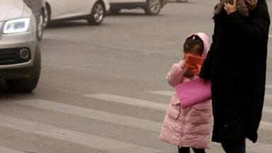 Jaunu auto tirdzniecība Ķīnā septembrī sarukusi par 6,3%