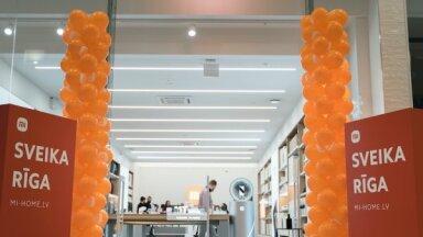 Iepirkšanās centrā 'Akropole' atvērts 'Xiaomi' pirmais oficiālais veikals Latvijā
