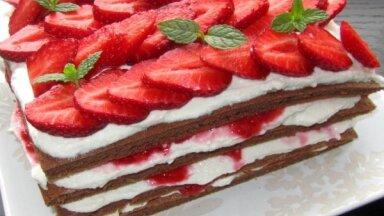 Foto recepte: Zemeņu un biezpiena torte kaloriju skaitītājiem