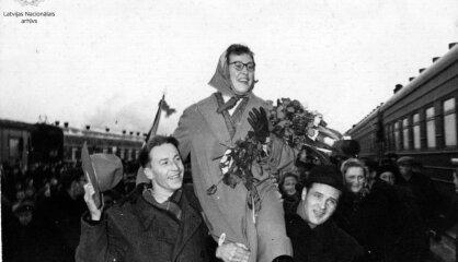 1956. gads: Kastro ieņem Kubu, PSRS sāk saīsināt darba nedēļu, Inese Jaunzeme izcīna zelta medaļu