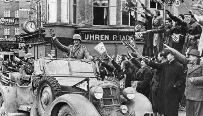 1938 год: Австрия становится частью Третьего рейха, антисемитизм нацистов перерастает в преследование евреев