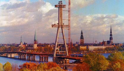 1981 год: Вантовый мост, детская клиника в Гайльэзерсе, MTV