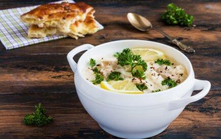 Греческий куриный суп с лимонами