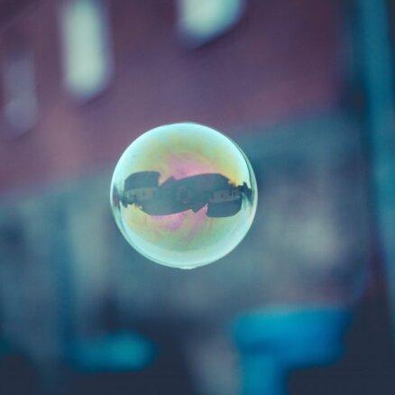 Burbuli piesaukt ir pāragri – eksperti par nekustamā īpašuma tirgu Latvijā