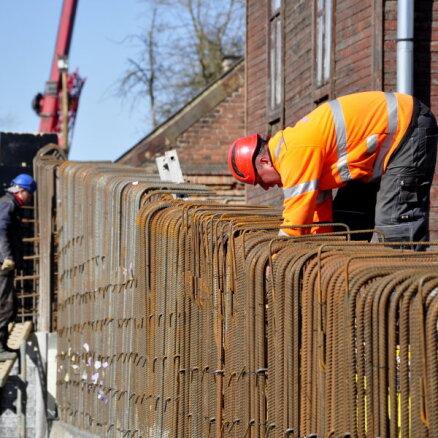 Dīkstāves pabalsti ļāvuši saglabāt vismaz 40 000 darbavietu