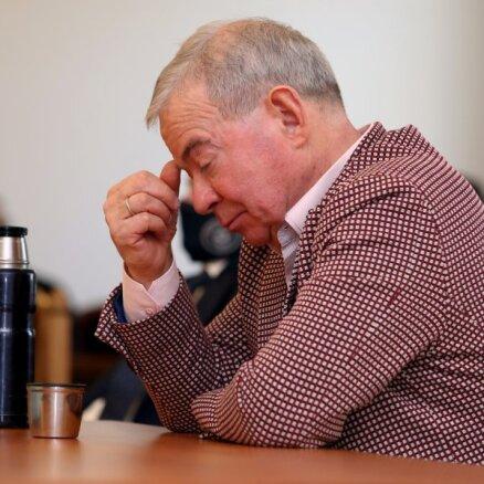 Aproču pogas, 'Opel Tigra' un Puzes māja – ko tiesa konfiscēja Lembergam