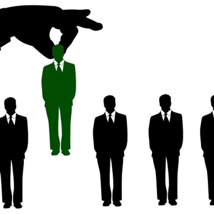 Ierēdne: Jaunā Covid-19 regulējuma apstākļos darba devēji varēs darbiniekus atstādināt, sūtīt dīkstāvē vai vienoties par darba attiecību izbeigšanu