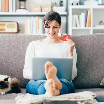 Aptauja: iedzīvotāji internetā gada laikā tērē no 301 līdz 500 eiro