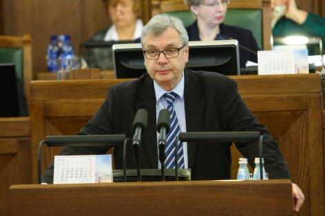 Шадурскис: идею об обязательном среднем образовании следует отложить— у министерства сейчас много работы