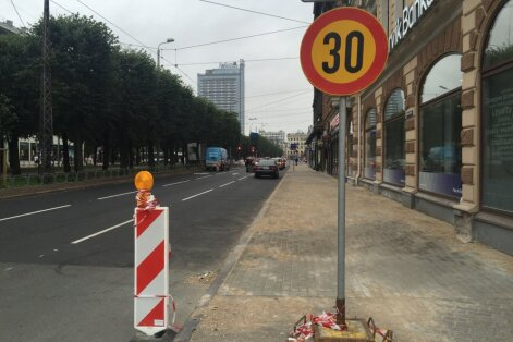 Vasaras murgs Brīvības ielā noslēdzies; ar remontu Lačplēša ielā jāsamierinās līdz oktobrim