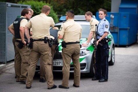 20 фото, на которых показано, как полиция и спецназ ищут стрелков в Мюнхене