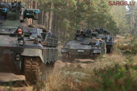 Немецкие танки снова в латвийских лесах — в Адажи прибыли БМП