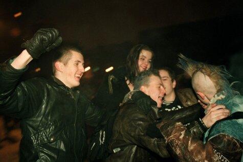 Уникальные фото: как рижане 16 лет назад встречали Новый год