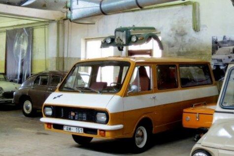 Vērienīga Padomju auto kolekcija Ogrē