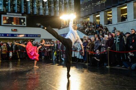Балтийский фестиваль балета открыли прямо на Рижском центральном вокзале