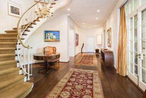 Teilore Svifta par jauno māju samaksā 25 miljonus skaidrā naudā