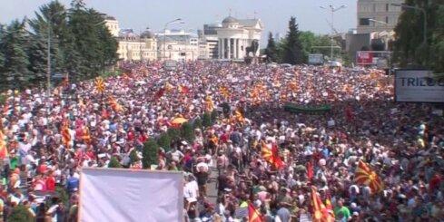 Video apskats: Krievijas kosmosa industrija, Maķedonijas demonstrācijas, iznīcinošā krusa ASV