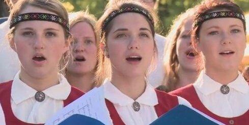 ASV latvietes, 'Emmy' laureātes dziesma 'Manā sirdī'