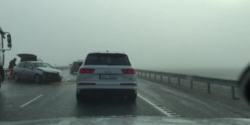 Pie Tallinas avarē 20 auto