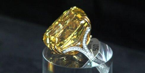 Bez komentāriem: Izsolīs vienu no pasaulē lielākajiem dzeltenajiem dimantiem