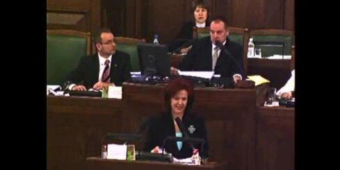 2008. gada sēde Saeimā: parlamenta zāli pārņem nelaba smaka