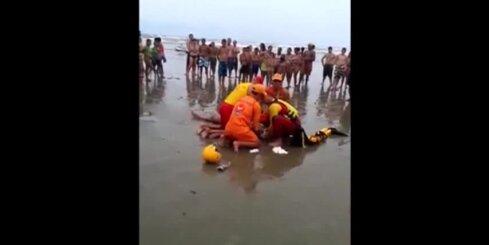 Brazīlijā zibens nosper četrus cilvēkus