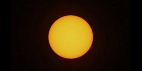Pilns Saules aptumsums Ternatē