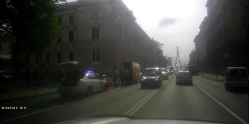 Pie Vanšu tilta negadījumā cieš riteņbraucējs