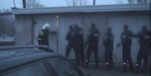 Policija garāžā Tartu aiztur vjetnamiešu imigrantus