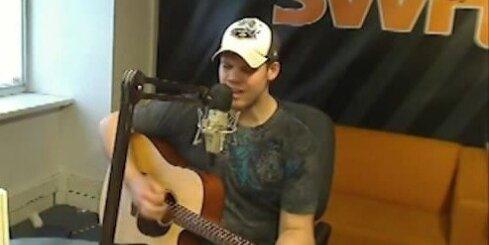 'Dinamo' vārtsargs dzied 'Radio SWH'