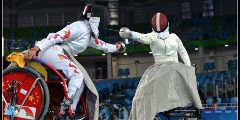 Latvijas ratiņpaukotāja Rožkova paralimpiskajās spēlēs izmantojusi 3D printētu muguras ortozi