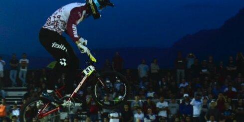 Štrombergs izcīna otro vietu Pasaules kausa noslēdzošajā posmā BMX superkrosā