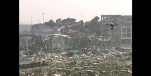 Ķīnā eksplozijas vietu attīra no simtiem tonnām cianīda