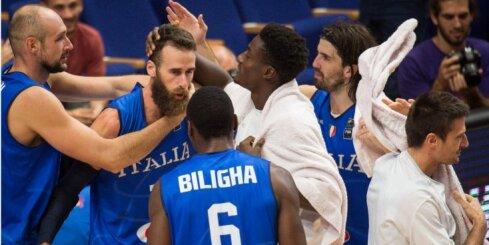 Video: Bloķēti metieni, 'danki' un metiens no centra – 'Eurobasket' dienas TOP 5