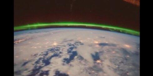 Kā ziemeļblāzma izskatās no kosmosa