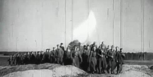 Arhīva video: Vācu armijas kapitulācija Kurzemē, 1945. gada 8. maijs
