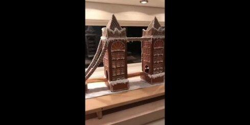 Latviete Norvēģijā rada pasakainu piparkūku namiņu
