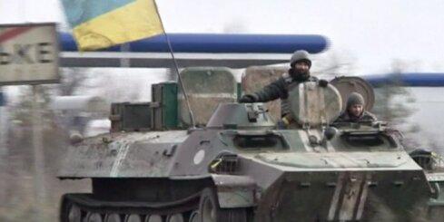 Diennakts laikā Ukrainā krituši deviņi karavīri; iznīcinātas 15 kaujinieku tehnikas vienības