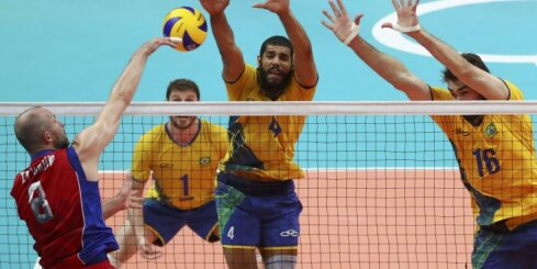 Волейболисты России проиграли полуфинал, в баскетбольном финале — США и Сербия