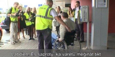 Lidosta 'Rīga' kļūst ērtāka invalīdiem