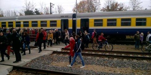 'Pasažieru vilciens' Siguldas iedzīvotājiem sagādā rīta vingrošanu